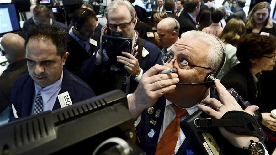 El Dow Jones sube más de 200 puntos aupado por los datos macroeconómicos en EE.UU.