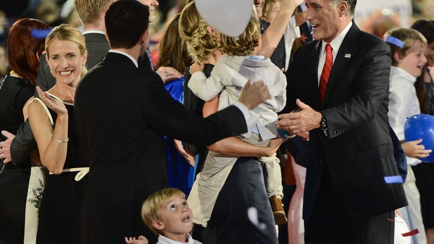 Los demócratas dicen que Romney criticó mucho y propuso poco en su discurso