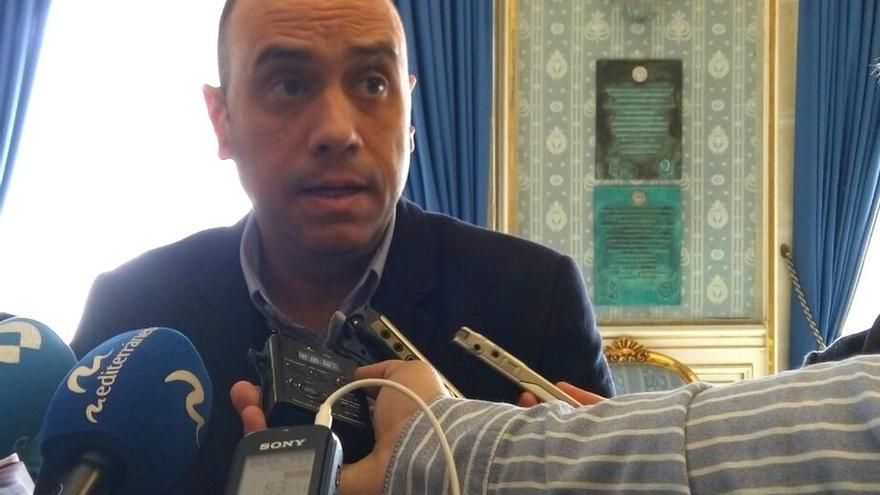 El alcalde de Alicante exige el acta a la edil de Podemos que dio contratos a compañeros del partido