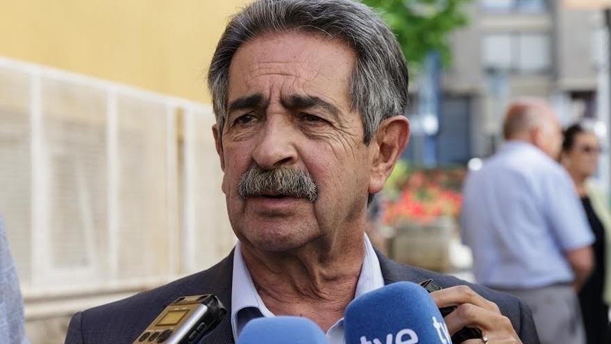 """Revilla dice que está semana habrá reunión de Sidenor y la próxima """"puede haber noticias"""""""