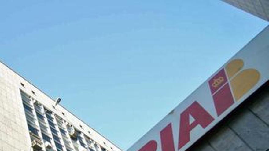 Iberia y British confirman su fusión en una nueva compañía con sede en Madrid