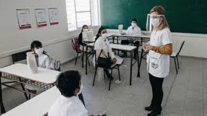 Abren la inscripción para el personal de instituciones educativas que quiere recibir la vacuna contra el Covid-19
