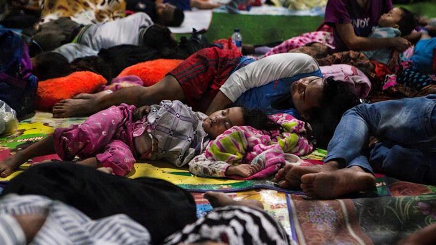 Indonesia deja en 426 el número de muertos por el tsunami del sábado 22