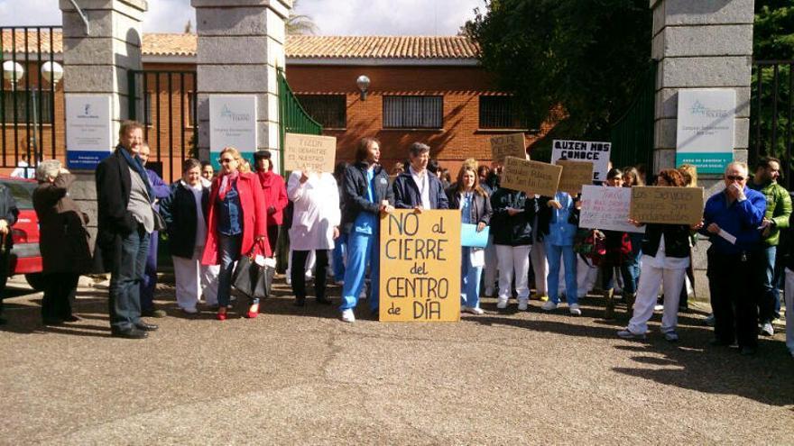 5.000 firmas se han reunido para protestar por el cierre del centro de dia San José