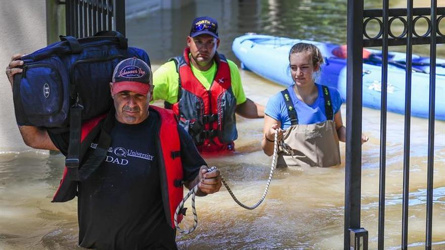 El sol permite a Houston iniciar su traumática recuperación tras el huracán