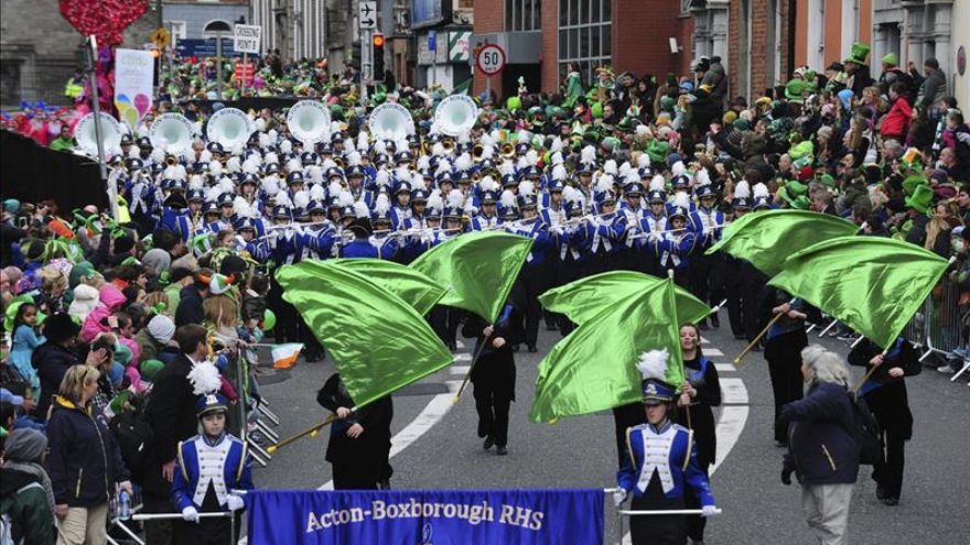 Desfile para celebrar el día de San Patricio en las calles de Dublín el 17 de marzo.
