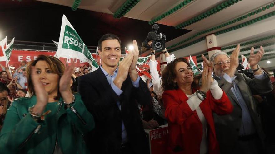 Pedro Sánchez, Susana Díaz, María Jesús Montero y Quico Toscano en el arranque de la campaña en Dos Hermanas.