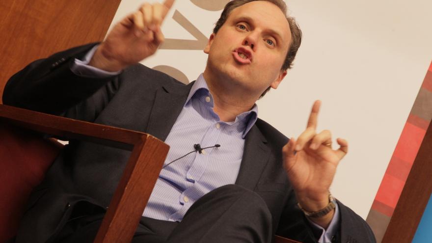 El economista y candidato del PP Daniel Lacalle, en una conferencia en Bilbao.