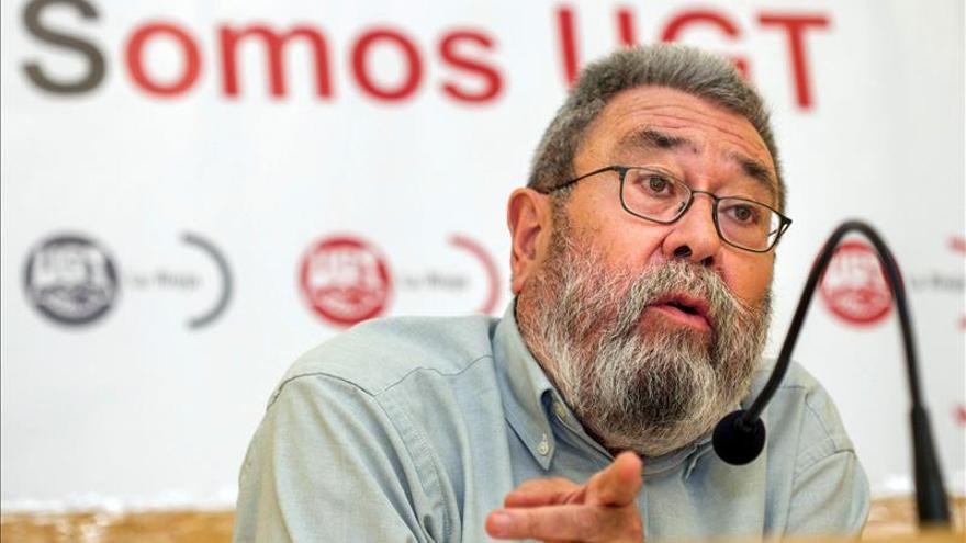 Méndez (UGT) dice que la abdicación del Rey es una buena oportunidad para reformar la Constitución