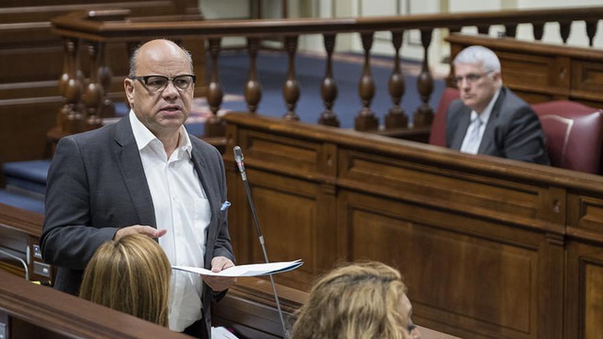 José Miguel Barragán, en un pleno del Parlamento de Canarias