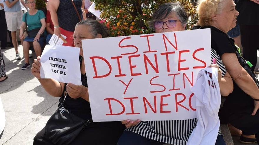 Los afectados por iDental denuncian su situación