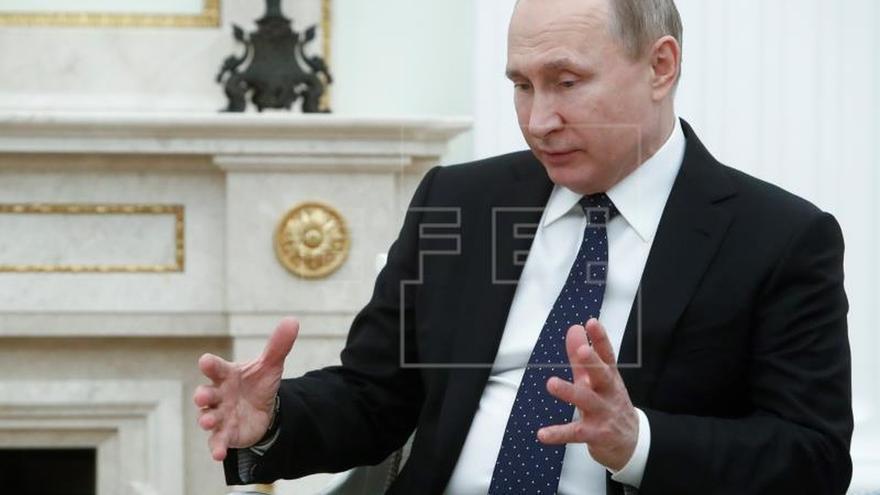"""Putin le recuerda a Merkel que el ataque contra Siria fue un """"acto de agresión"""""""
