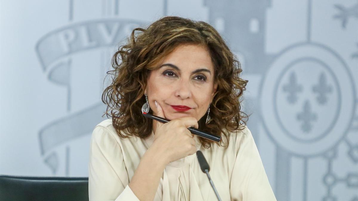 La ministra portavoz, María Jesús Montero, en rueda de prensa tras la celebración del Consejo de Ministros