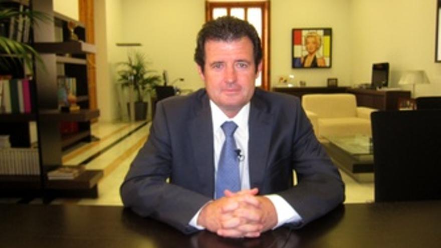 José Císcar En Su Despacho