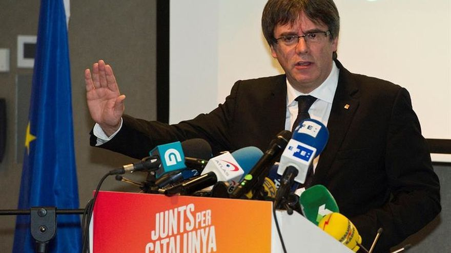 """Puigdemont pide a los exconsellers hacer """"lo que haga falta"""" para salir de la cárcel"""