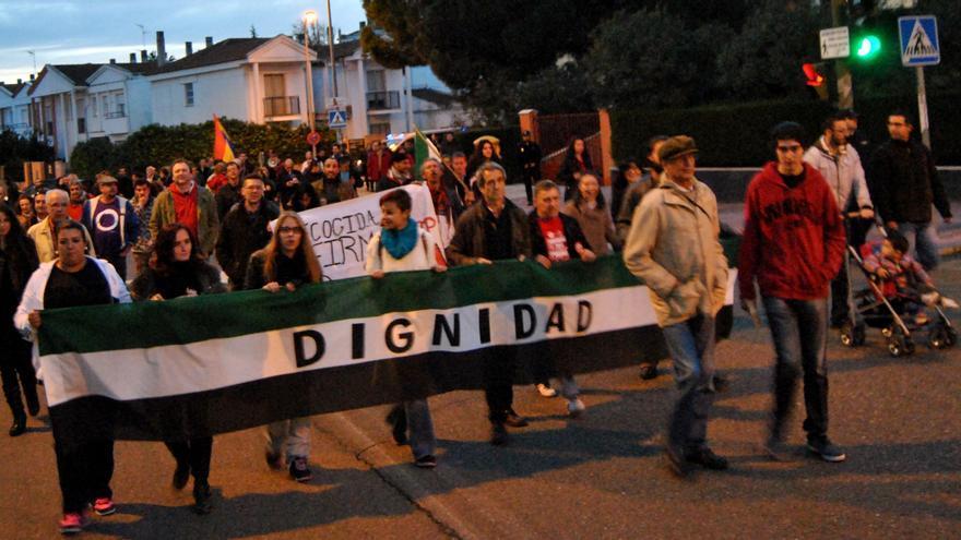 La marcha de Mérida ha partido desde el Sexpe y ha acabado en la puerta de la Presidencia de la Junta