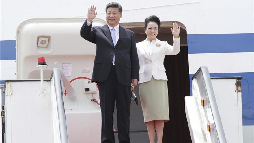 El presidente de China inicia visita a Sudáfrica, donde asistirá a la FOCAC