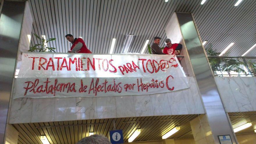 Encierro de pacientes de hepatitis C en el hospital 12 de Octubre (Madrid) /PLAFHC