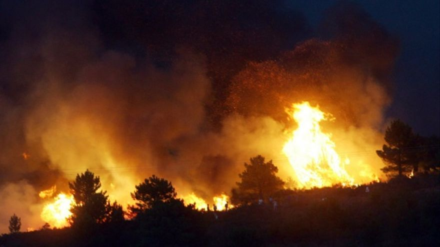 Las llamas del peor incendio en la historia de  Guadalajara