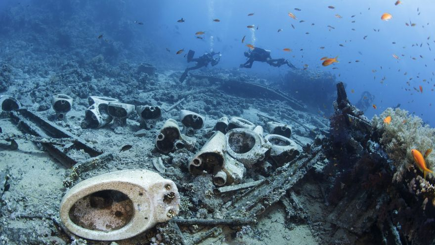 Retretes en el fondo del mar / EFE