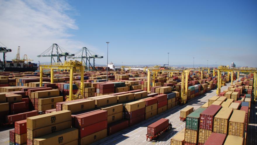 Contenedores en las instalaciones del Puerto de Valencia.