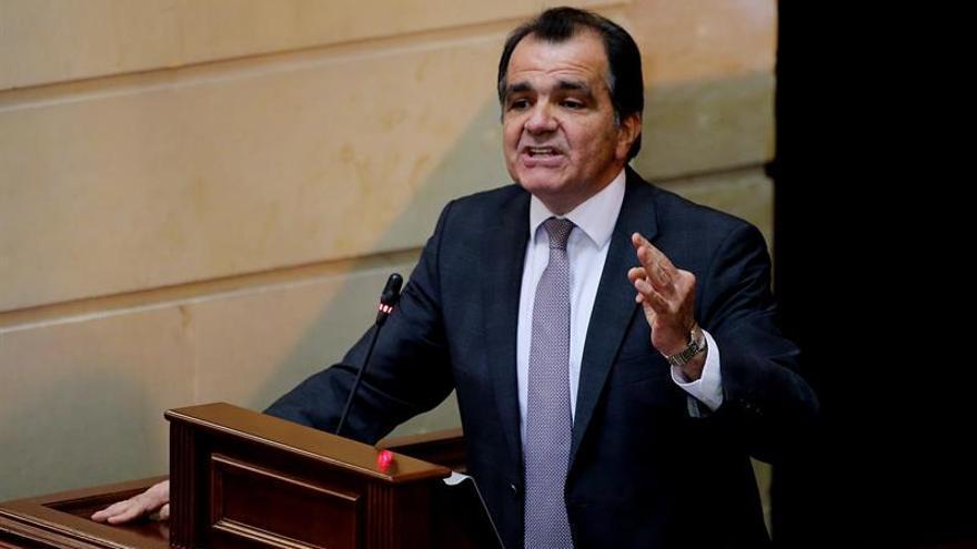 El opositor Óscar Iván Zuluaga aplaza su precandidatura presidencial por el caso Odebrecht