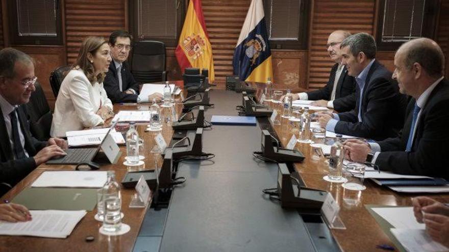 En la imagen, reunión, este jueves, del Consejo Rector del IAC.