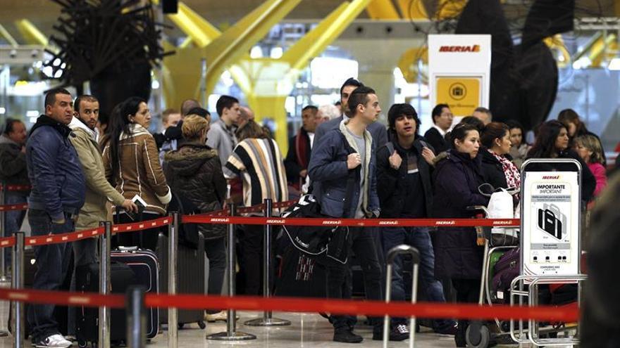 La demanda de pasajeros en el transporte aéreo global subió un 4,6 % en abril