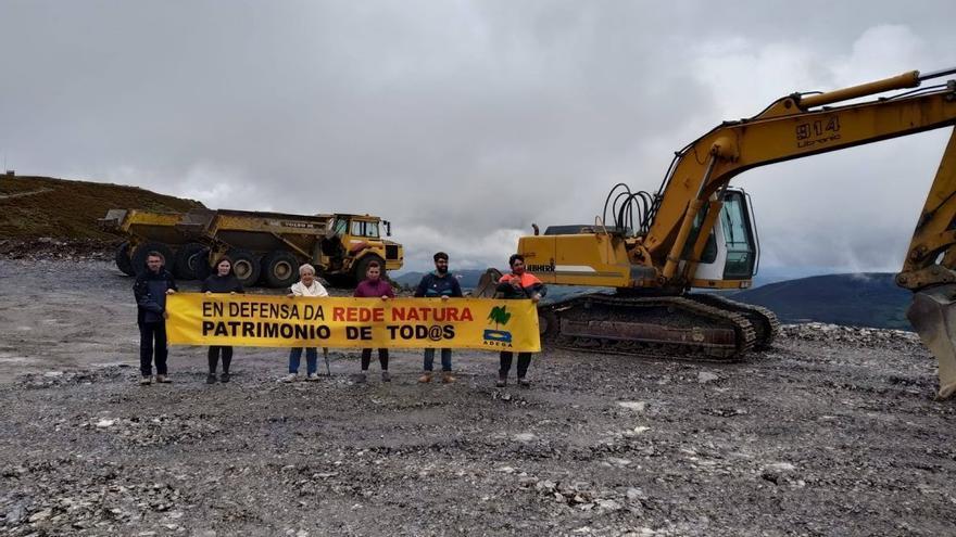 Protesta ecologista ante las obras del parque eólico