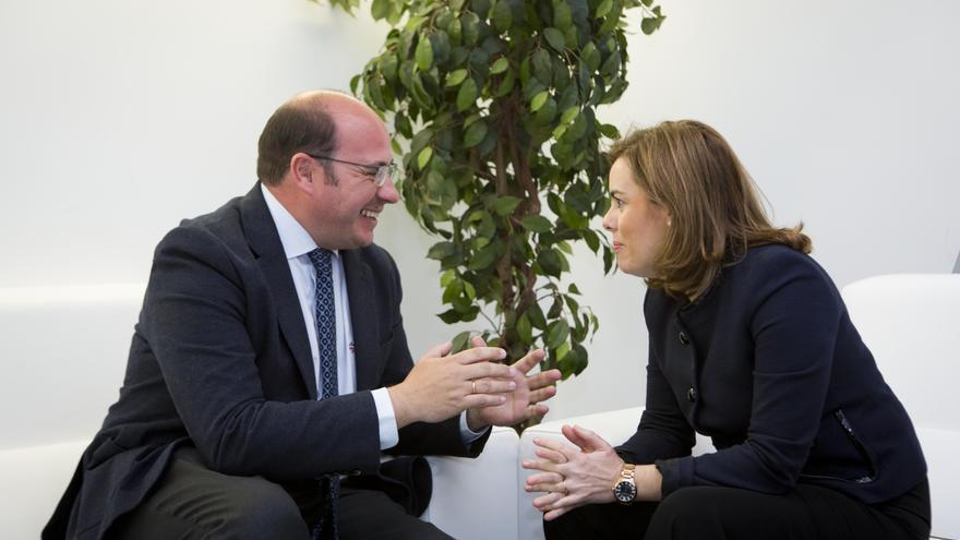 Sánchez se ha reunido con Sáenz de Santamaría