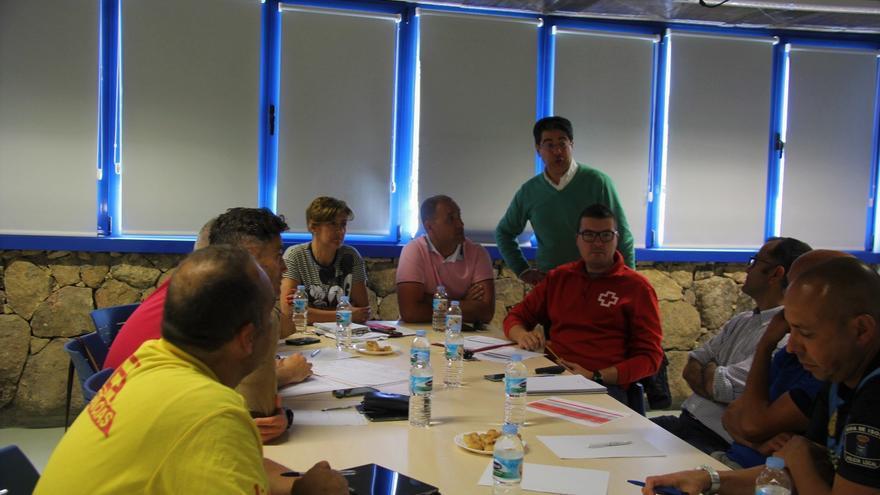Reunión preparatoria de la prueba con la presencia del alcalde de Guía de Isora, Pedro Martín