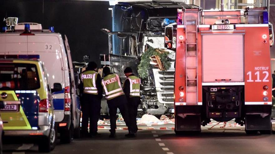 El ministro alemán de Interior: muchos indicios apuntan a un atentado en Berlín