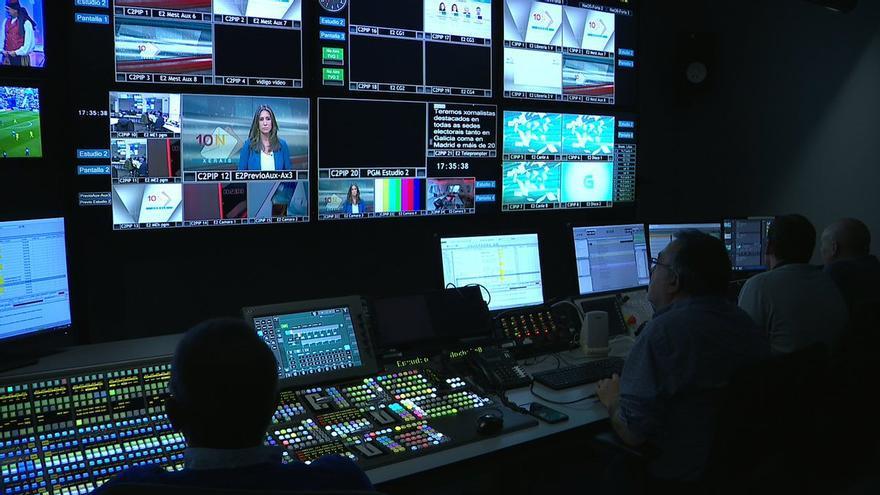 Preparativos del dispositivo electoral de la CRTVG, en una imagen divulgada por el canal público