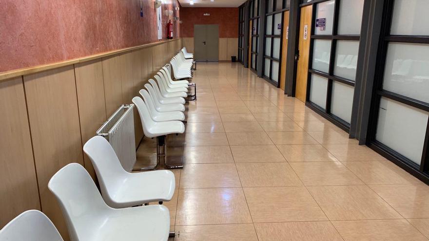 Pasillos vacíos del centro de salud del Casco Viejo de Vitoria
