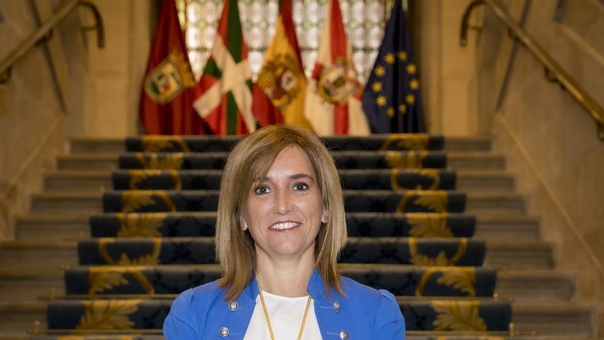 Amaia Barredo toma posesión como concejala de Movilidad de Vitoria en sustitución de Itziar Gonzalo