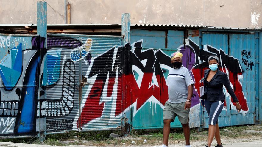 Cuba declara la fase de transmisión comunitaria por el elevado número de casos de covid