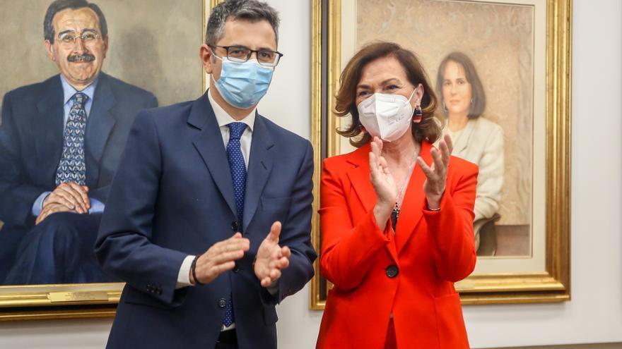 Archivo - Félix Bolaños y Carmen Calvo, en el relevo ministerial