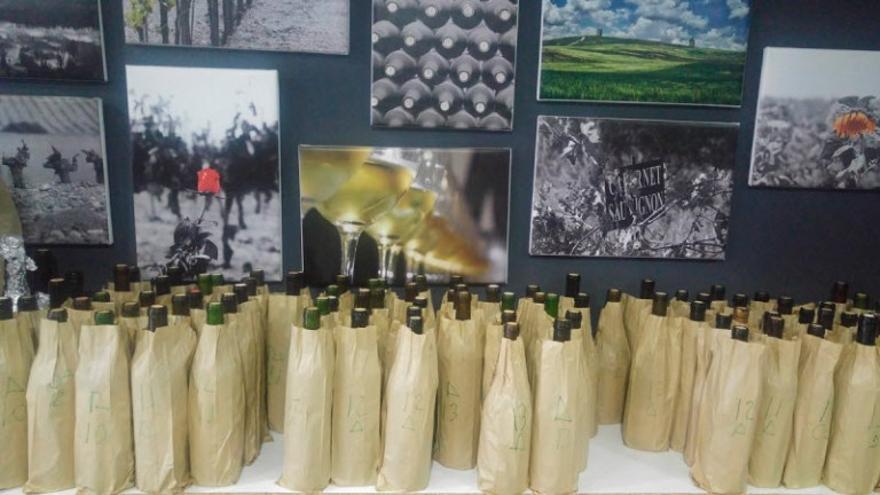 Los vinos son evaluados en sistema de cata ciega.