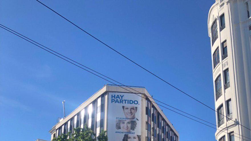 El PP no ha colocado este 26M el escenario que utiliza en sus victorias electorales en Génova