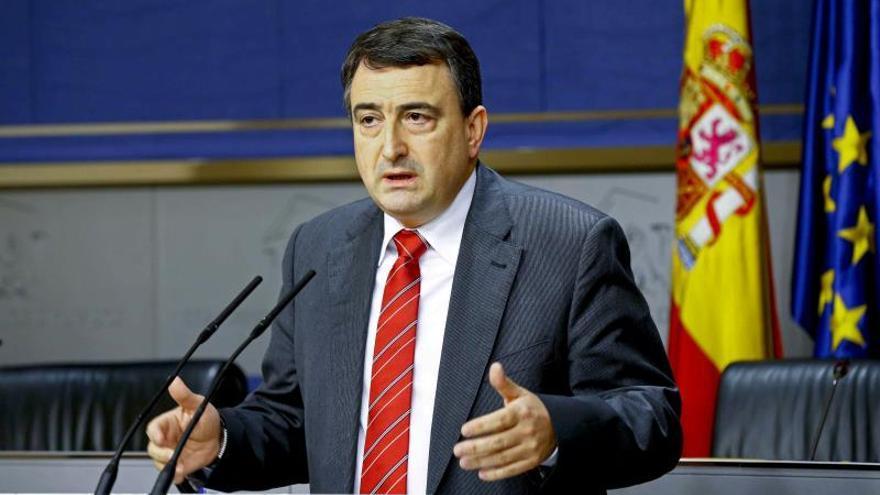 El PNV tiene voluntad de acuerdo con el PSOE pero le preocupa la recentralización