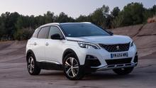 El Peugeot 3008 Hybrid ofrece 300 CV de potencia combinada y una autonomía eléctrica de 59 kilómetros.