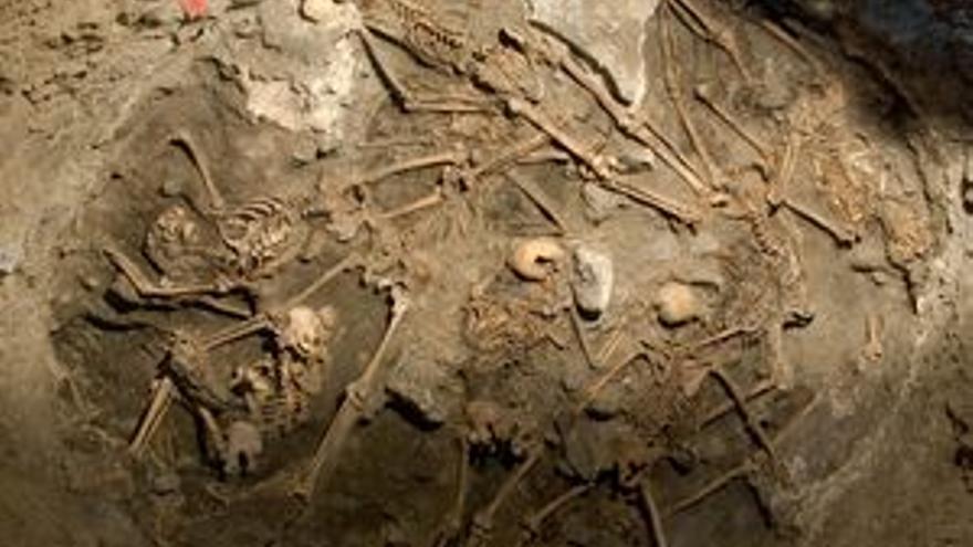 Restos encontrados en el Pozo del Llano de Las Brujas.
