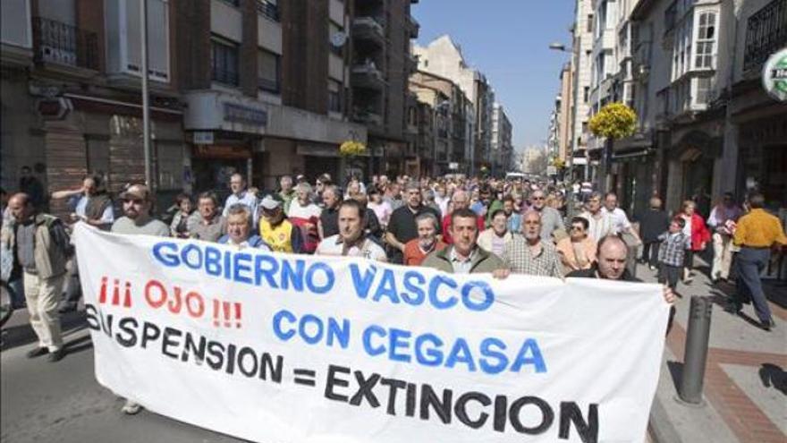 Manifestación en Vitoria por el empleo en Cegasa.