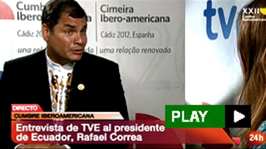 Rafael Correa pregunta por Ana Pastor en una entrevista con TVE, y a la periodista se le queda cara de póquer