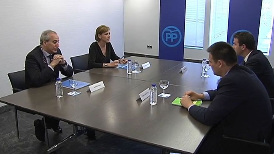 PP y UPyD abren una vía de diálogo en una reunión en la que Maneiro pide reformar la Constitución y ley electoral