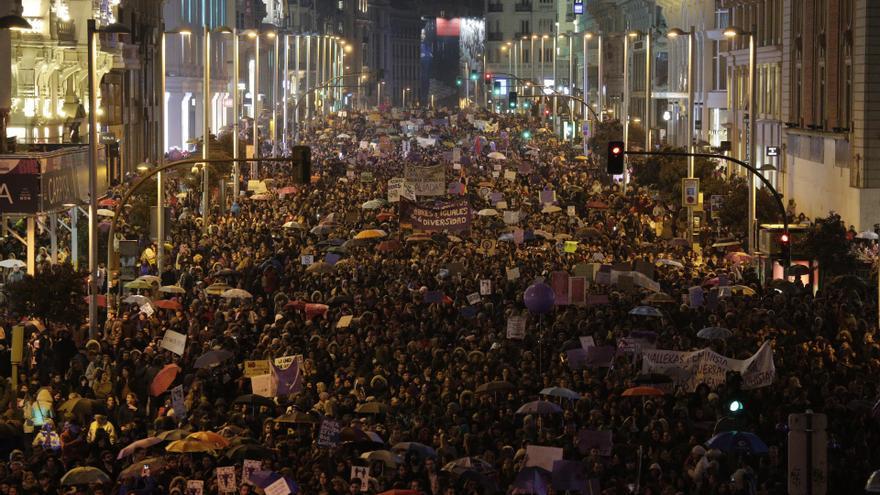 La manifestación feminista del 8 de marzo llega a la Gran Vía.