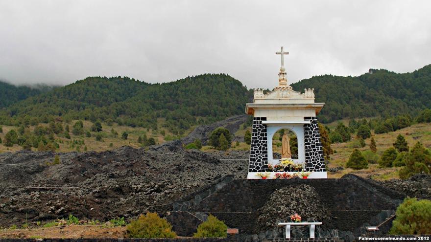 En la imagen, entorno de Las Manchas; en primer término, monumento erigido a la Virgen de Fátima. Foto: palmerosenelmundo.com.