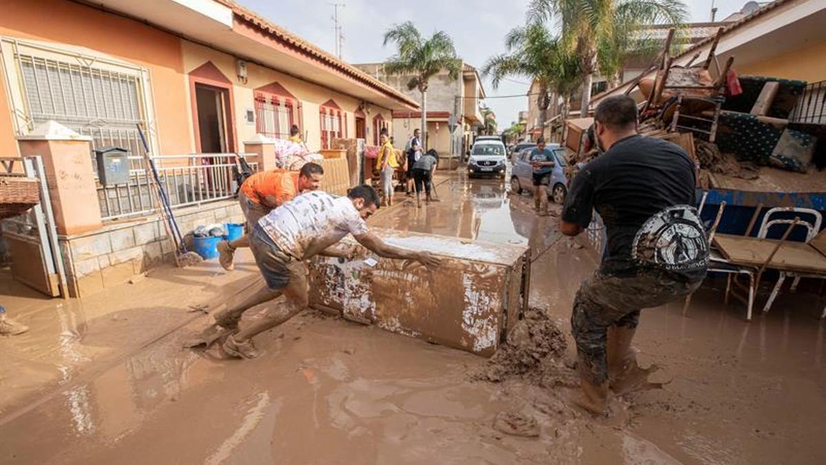 Trabajos tras la inundación de 2019 en Los Alcázares (Región de Murcia).
