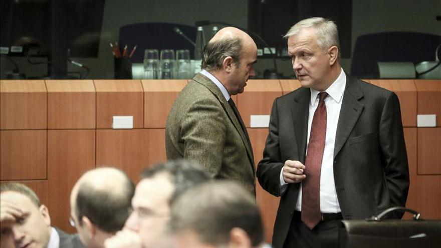 De Guindos reitera el compromiso de España con el cumplimiento del déficit