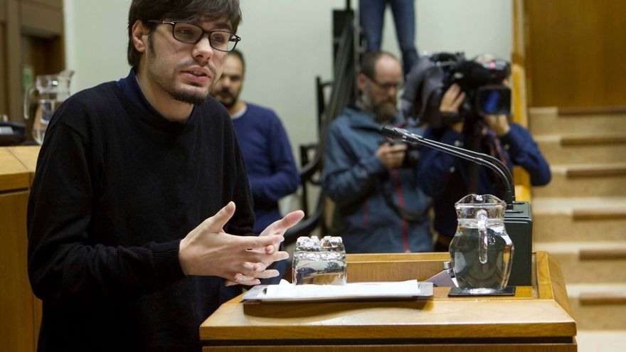 """Podemos Euskadi acusa al PNV de buscar, """"de manera impostada"""", el """"cuerpo a cuerpo"""" con los """"pirómanos"""" de Ciudadanos"""